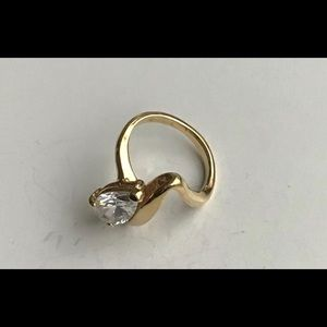 Women Vintage Ring, Gold Solitaire Stone 14KTGE